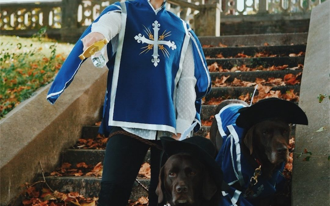 Halloween Family Costume With Dogs: The Three Musketeers